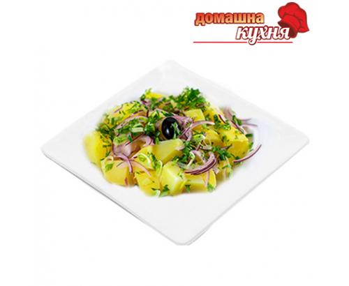 Домашна картофена салата с лук